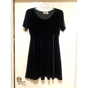 Awesome black velvet dress